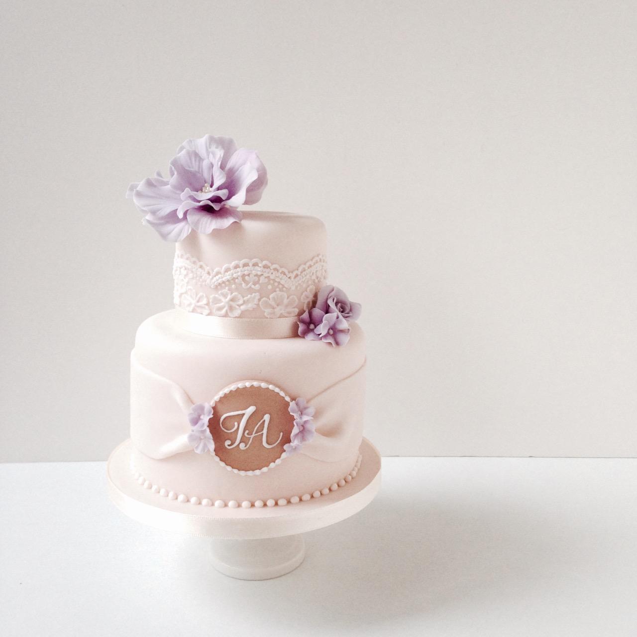20150727-cakepoptower1