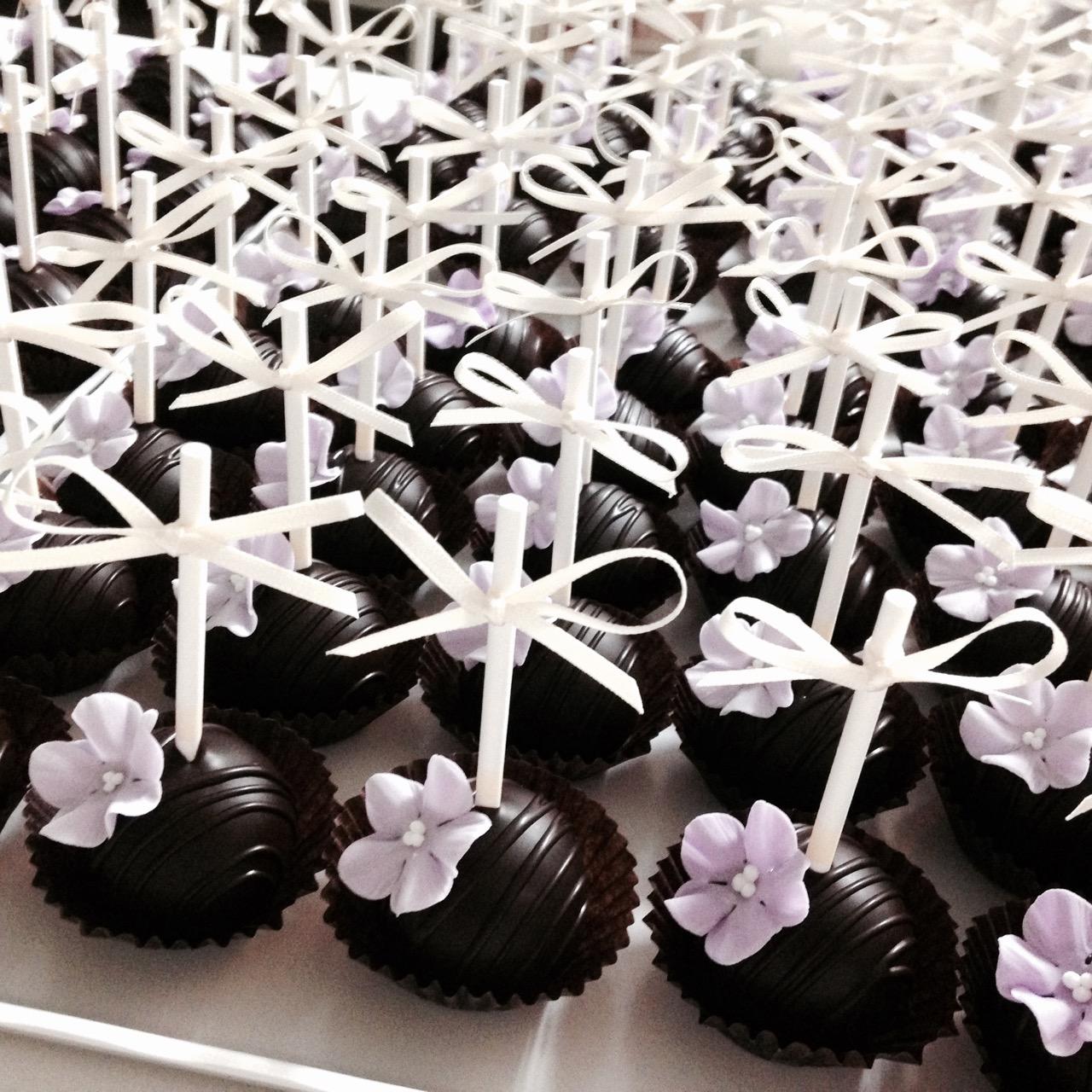 20150727-cakepoptower5
