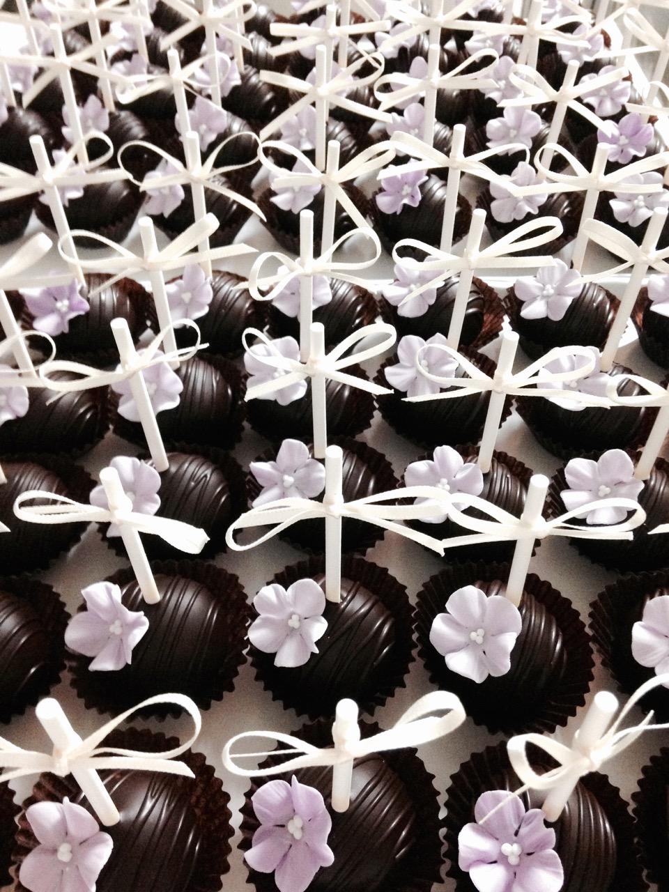 20150727-cakepoptower7