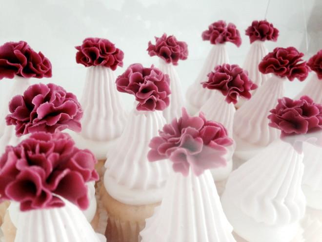 vogue 201501 pompom cupcake
