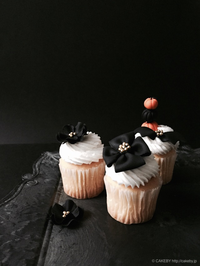 20151031-halloween-cupcakes2